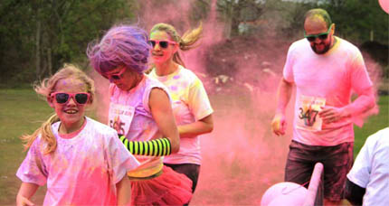 Participants in Oakhaven colour run hosted at the college