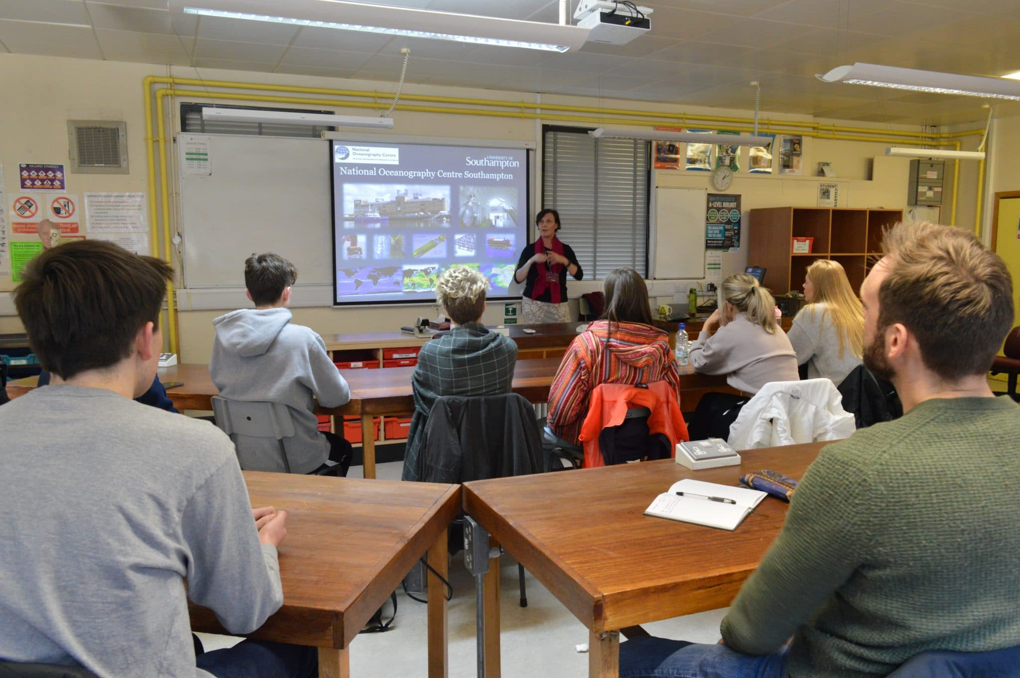 Science Students Learn About The Interdisciplinary Nature Of Oceanography From University Of Southampton Professor Brockenhurst College